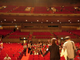 ホール 座席 フェスティバル